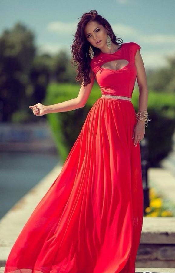 Летнее платье с вырезом купить