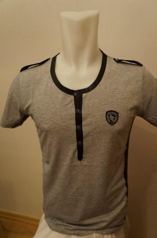 Заказать двухцветную мужскую футболку с пуговицами на планке по ... 8220dd46fe02f