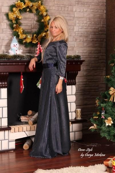 f314e8e9f45 Купить ультрамодное атласное черное в мелкий горошек платье в пол