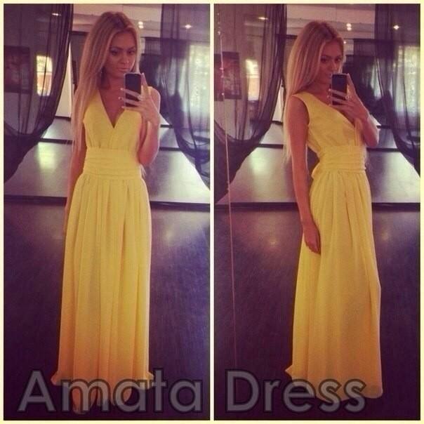 1fedd8cd3c0 модное нарядное длинное вечернее платье богатого желтого цвета с глубоким  декольте