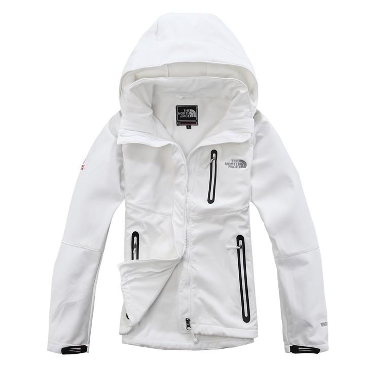 8df8cbee20e Купить лыжную белую куртку с капюшоном и карманами очень теплую