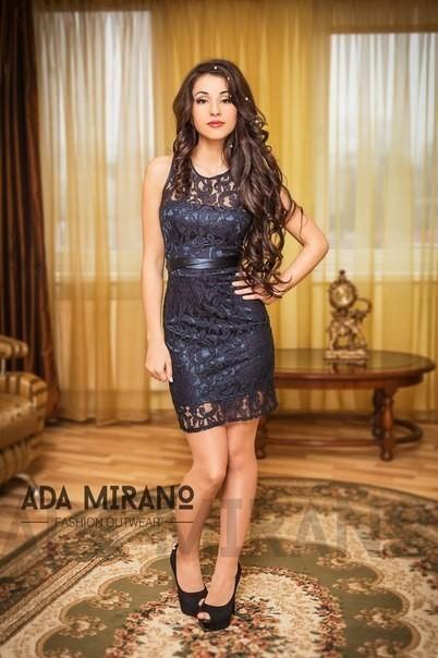 Черное строгое облегающее платье короткое
