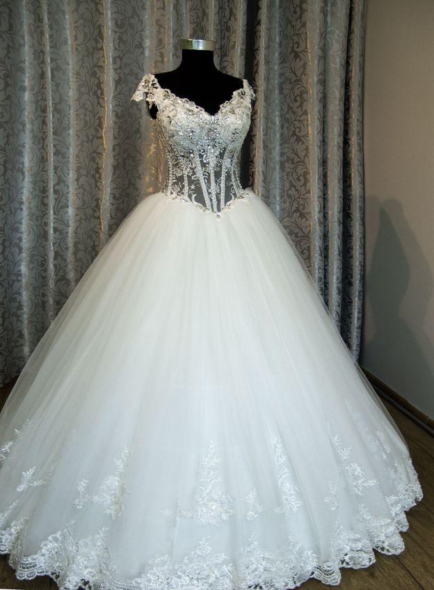 Купить свадебные платья на сайте VButike по лучшей цене