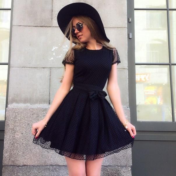 Черное платье рукава бант