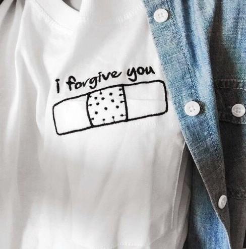 Заказать оригинальную белую футболку с надписью i forgive you не дорого bcffe21133678