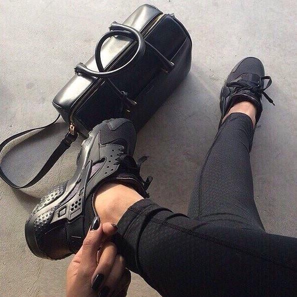кроссовки найк фото женские черные