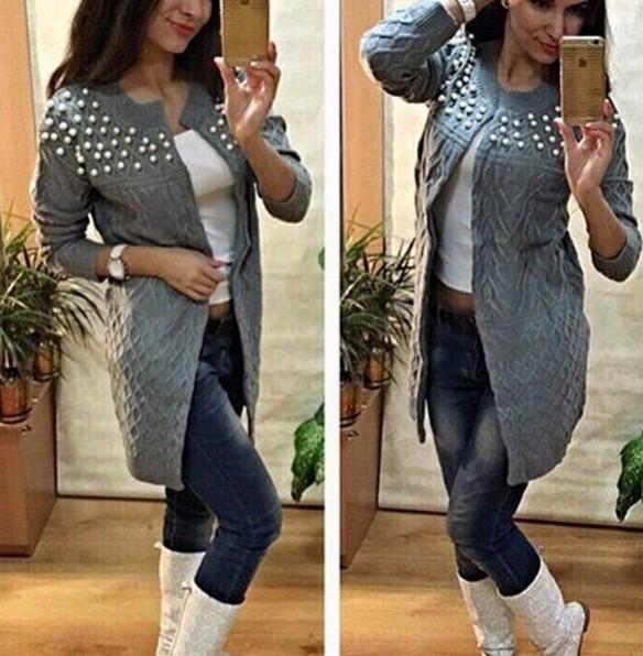 Молодежные вязанные свитера женские