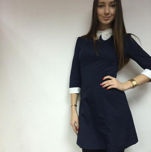 Темно синее школьное платье с воротником