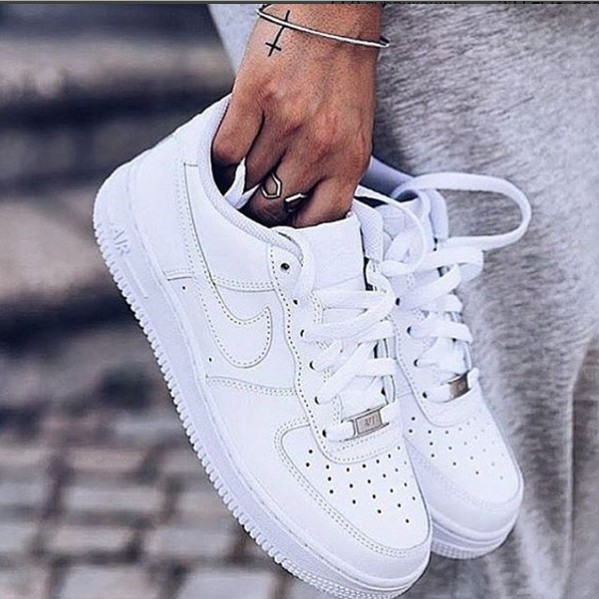 Nike Air Force белого цвета