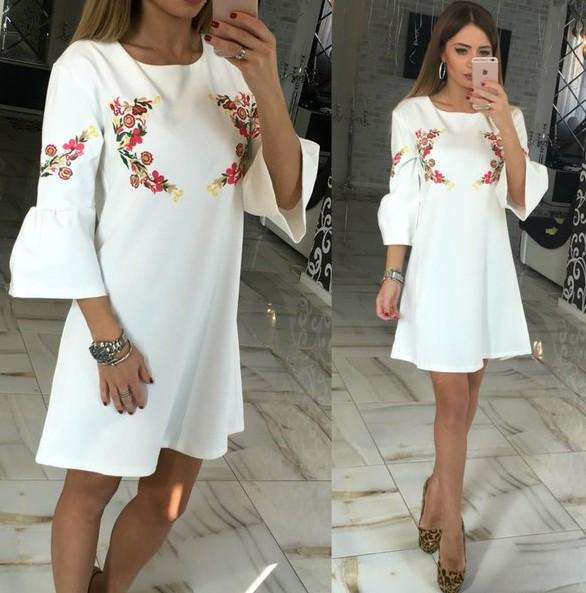 Платье белое свободного кроя