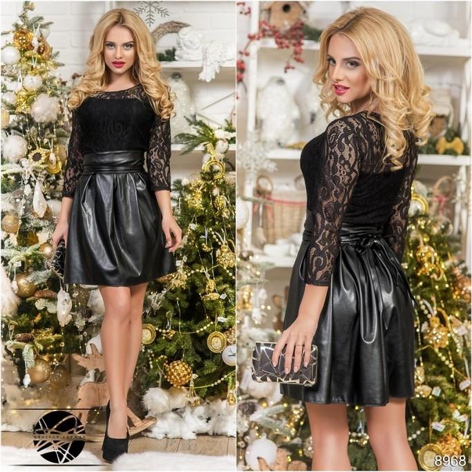 d6bd1e495174ee9 коктейльное гипюровое платье черного цвета с пышной юбкой из экокожи этого  сезона