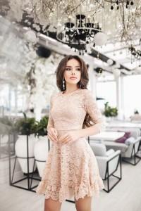 84f1abc0cdc Заказать коктейльные платья бежевого цвета по доступной цене на Вбутике